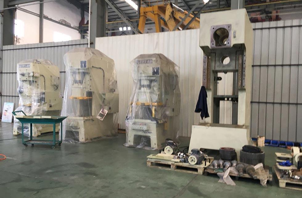 青岛海尔集团采购人员来访冲床厂